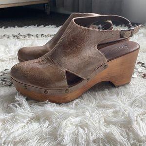 Cordani Zino studded patina leather clog size 10
